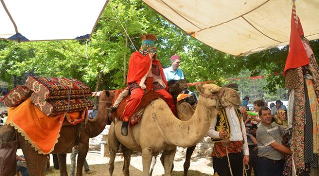 Antalya'da 600 yıllık düğün alayı geleneği sergilendi