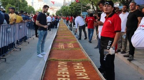 Hatayın ana vatana katılışı 79 metrelik künefeyle kutlandı