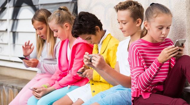 Sosyal medya kullanımı çocuklarda Dikkat Eksikliğini tetikliyor