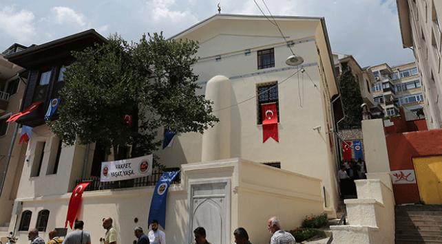 Restorasyonu tamamlanan İlyas Çelebi Camii ibadete açıldı