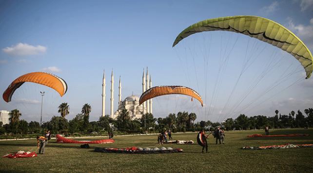 Adana yamaç paraşütçülerinin yeni gözdesi oldu