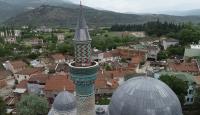 12 bin parça çini minareli cami yıllara meydan okuyor