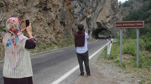 Karadeniz'in ilk ve tek el yapımı tüneli ilgi çekiyor