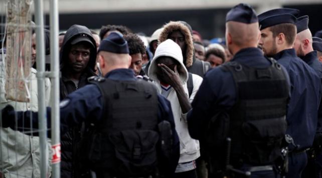 Fransada sığınmacılar için yeni yasa geliyor