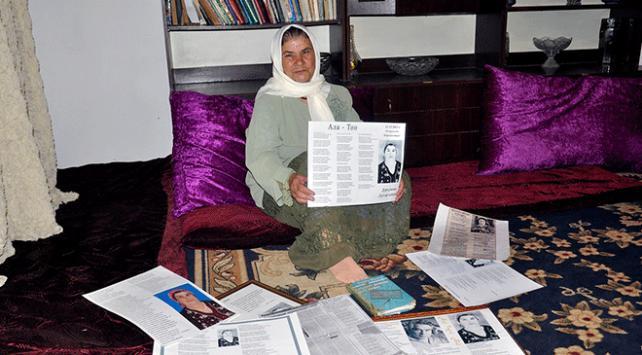 Türk nine onlarca Kırgızca şiir yazdı