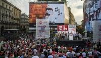 İspanya ve Şili'de Protestolar