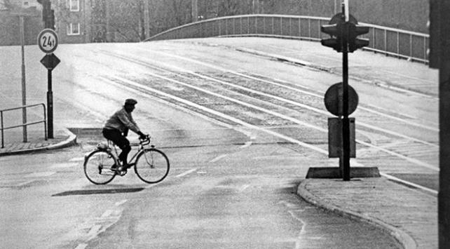 Dünyanın ilk elektrikli trafik ışıkları 104 yıl önce kullanıldı