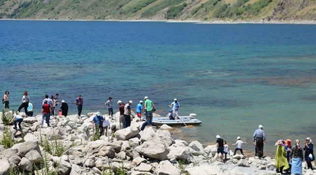 Doğal güzellikleriyle Nemrut Krater Gölü ziyaretçilerini ağırlıyor