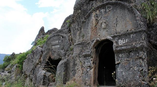 Kahramanmaraşın kaya mezarları