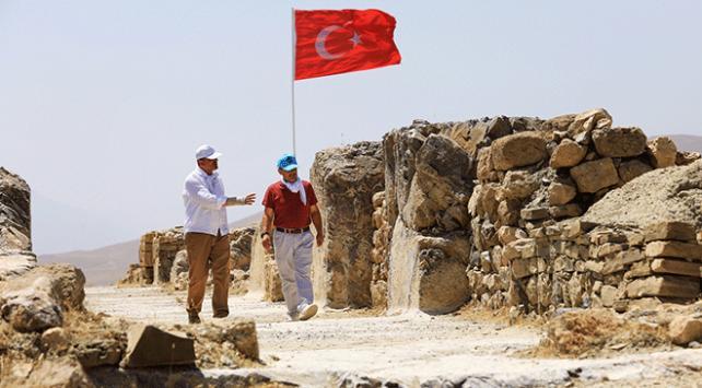 Van Çavuştepe Kalesinde restorasyon çalışmaları başlatıldı