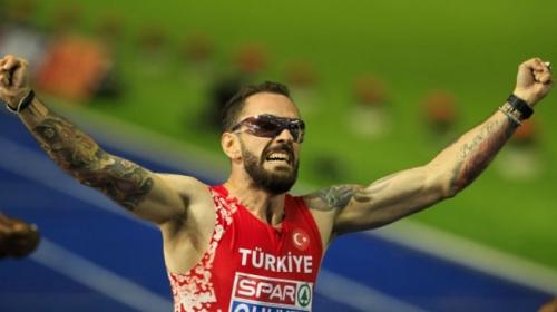 Erkekler 200 metrede altın madalya kazanan Ramil Guliyev TRT Spor'a konuştu