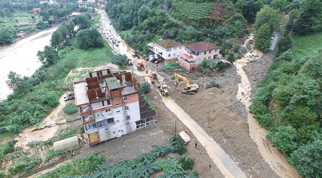 Ardeşen-Çamlıhemşin yolu yeniden trafiğe açıldı