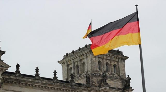 Almanyada Türk kadın ve çocuğuna ırkçı saldırı