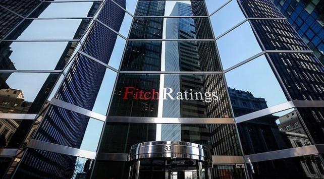 Fitch, Yunanistanın kredi notunu yükseltti