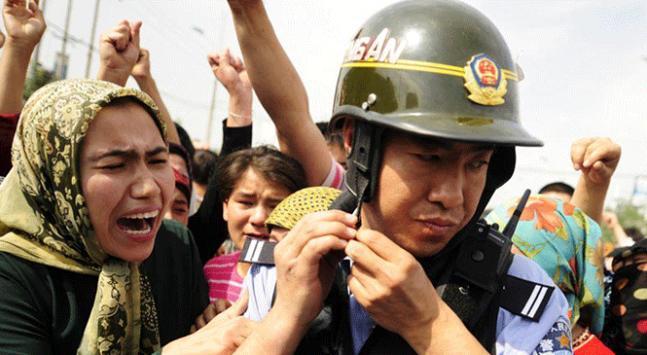 Çin bir milyon Müslümanı zorla siyasi eğitim kampına aldı