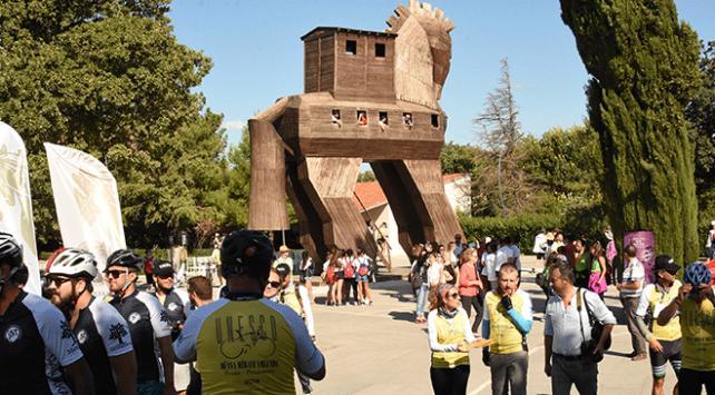 Uluslararası 55inci Troia Festivalinde bisiklet turu başladı
