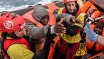 Libya açıklarında 140dan fazla göçmen kurtarıldı