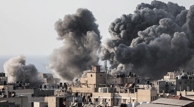 İsrail Gazzeye hava saldırılarını sürdürüyor
