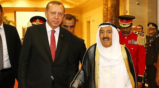 Cumhurbaşkanı Erdoğan Kuveyt Emiri ile görüştü