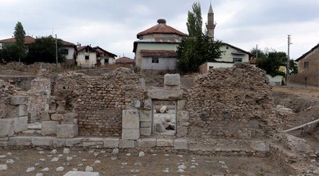 Sebastapolis Antik Kentinin hamam bölümü gün yüzüne çıkarıldı