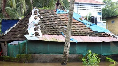 Hindistan'da sel felaketi: 37 ölü