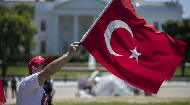 ABDnin Türkiyeye açtığı ekonomik savaşa tüm dünyadan tepki yağdı