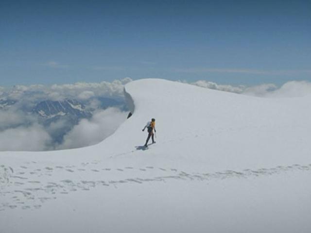 İsviçreli dağcı Cassin rotasında hız rekoru kırdı