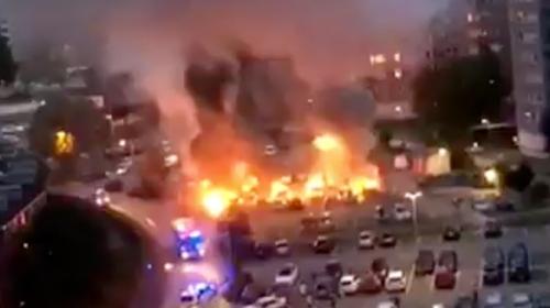 İsveçte molotof saldırısı: 80 araç ateşe verildi