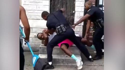 ABDde siyahi vatandaşı döven polis istifa etti