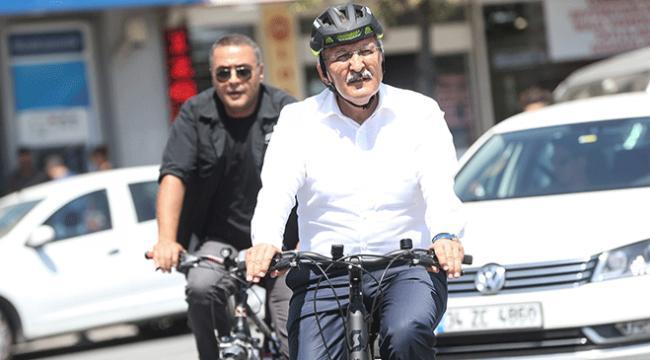 Belediye Başkanının trafik duyarlılığı tüm ilçeye örnek oldu