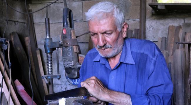 45 yıldır kurban bıçağı yapıyor