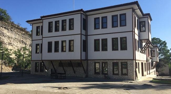 Safranbolunun tarihi dokusuna uygun itfaiye binası