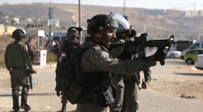İsrail askerleri Filistinli bir çocuğu yaraladı