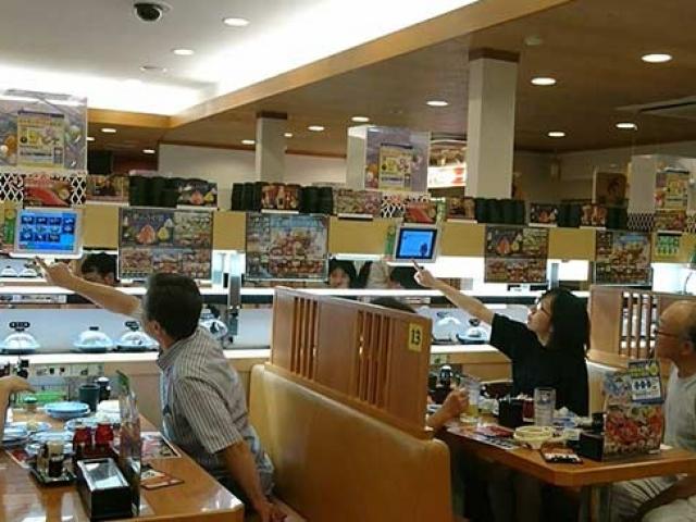 """Japonyada """"Jetgiller"""" tarzı restoranlar büyük ilgi görüyor"""