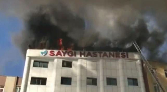 Sultanbeylide özel bir hastanede yangın