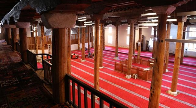 Sivrihisar Ulu Cami yüzyıllardır ihtişamını kaybetmeden ayakta duruyor
