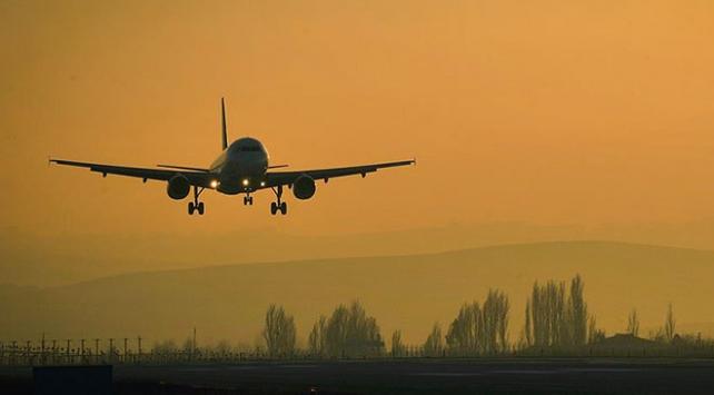 Çin yolcu uçağı Filipinlerde pistten çıktı