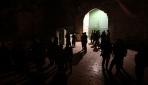 İsrail polisi Mescid-i Aksanın tüm kapılarını kapattı