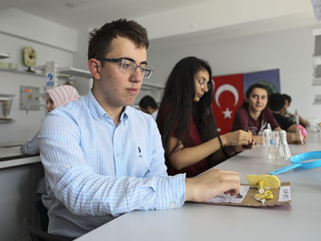 Bilim şampiyonları devlet üniversitelerine sınavsız giriyor