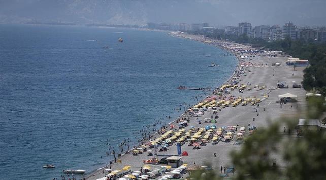 Tatilcilerden 2 milyar liralık gelir beklentisi