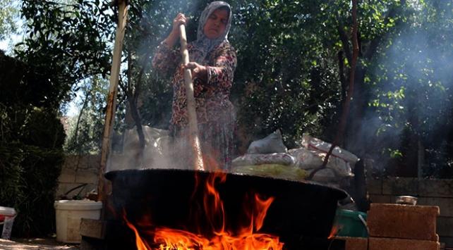 Hatayda ev kadınları kış hazırlıklarına başladı