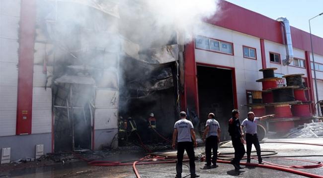 Kayseride depo yangını