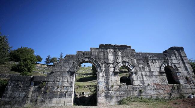 Batı Karadenizin tarihi arkeolojik kazılarla gün yüzüne çıkıyor