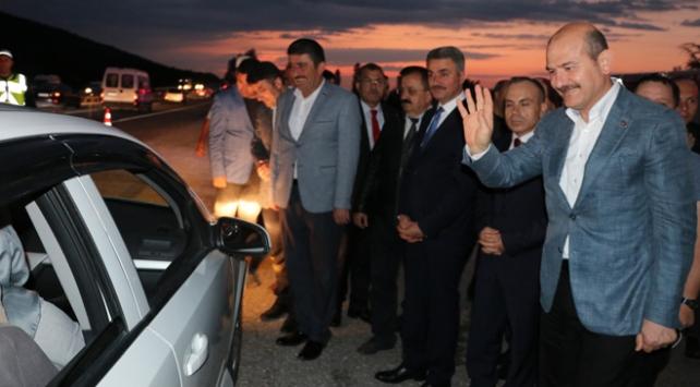 İçişleri Bakanı Soylu, Konyada trafik denetimine katıldı