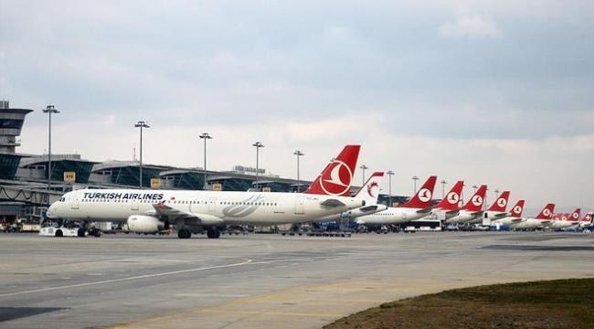 Tatilin ilk günü hava yolunu 750 bin yolcu tercih etti
