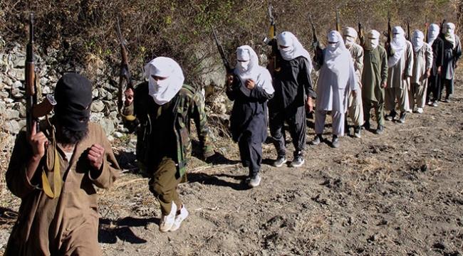 Taliban Afganistanda 100den fazla yolcuyu kaçırdı