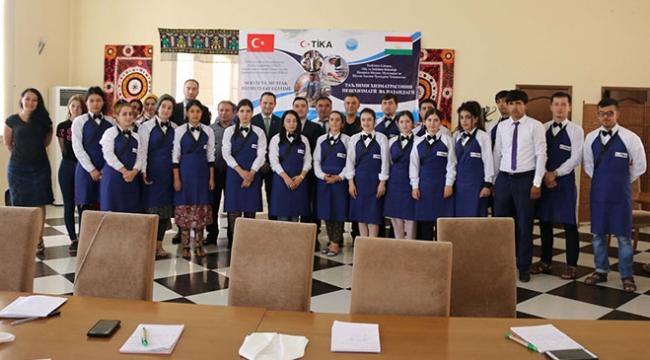 TİKAdan Tacikistanda turizm eğitimi