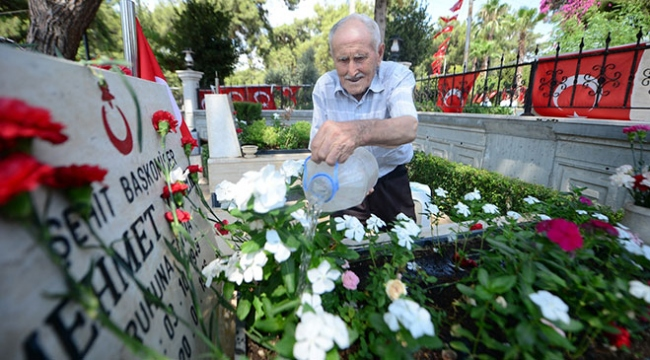 """83 yaşındaki Kore gazisinin 30 yıldır devam eden """"şehitlik nöbeti"""""""