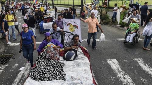Kolombiyalılar Tembellik Gününün tadını çıkardı