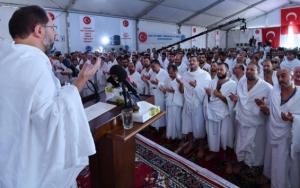 Diyanet İşleri Başkanı Erbaştan Arafatta Vakfe Duası